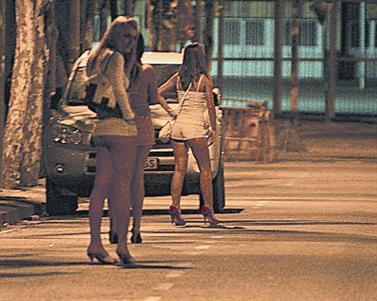 calle prostitutas mujeres y hombres y viceversa m